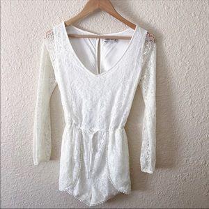 A&F White Lace Romper 💛